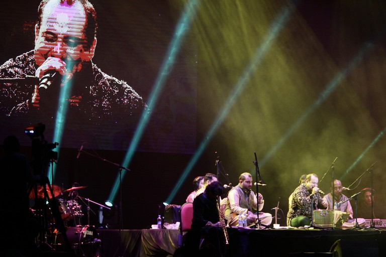 Rahat Fateh Ali Khan perform