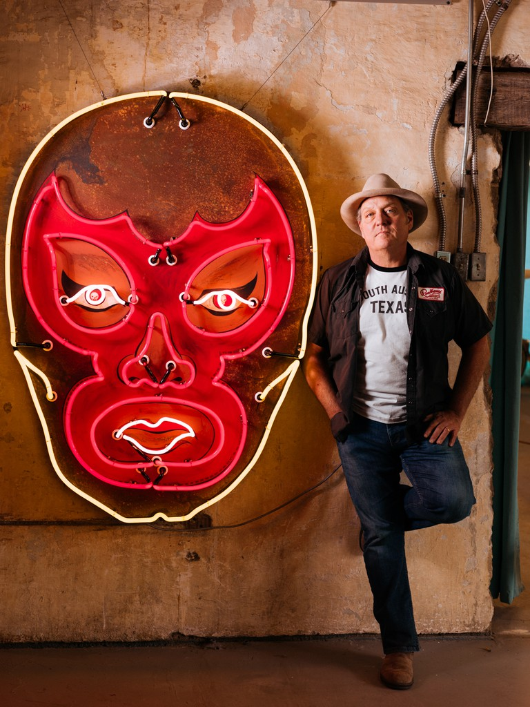Todd-Sanders-Neon-Art-Austin-Texas-USA