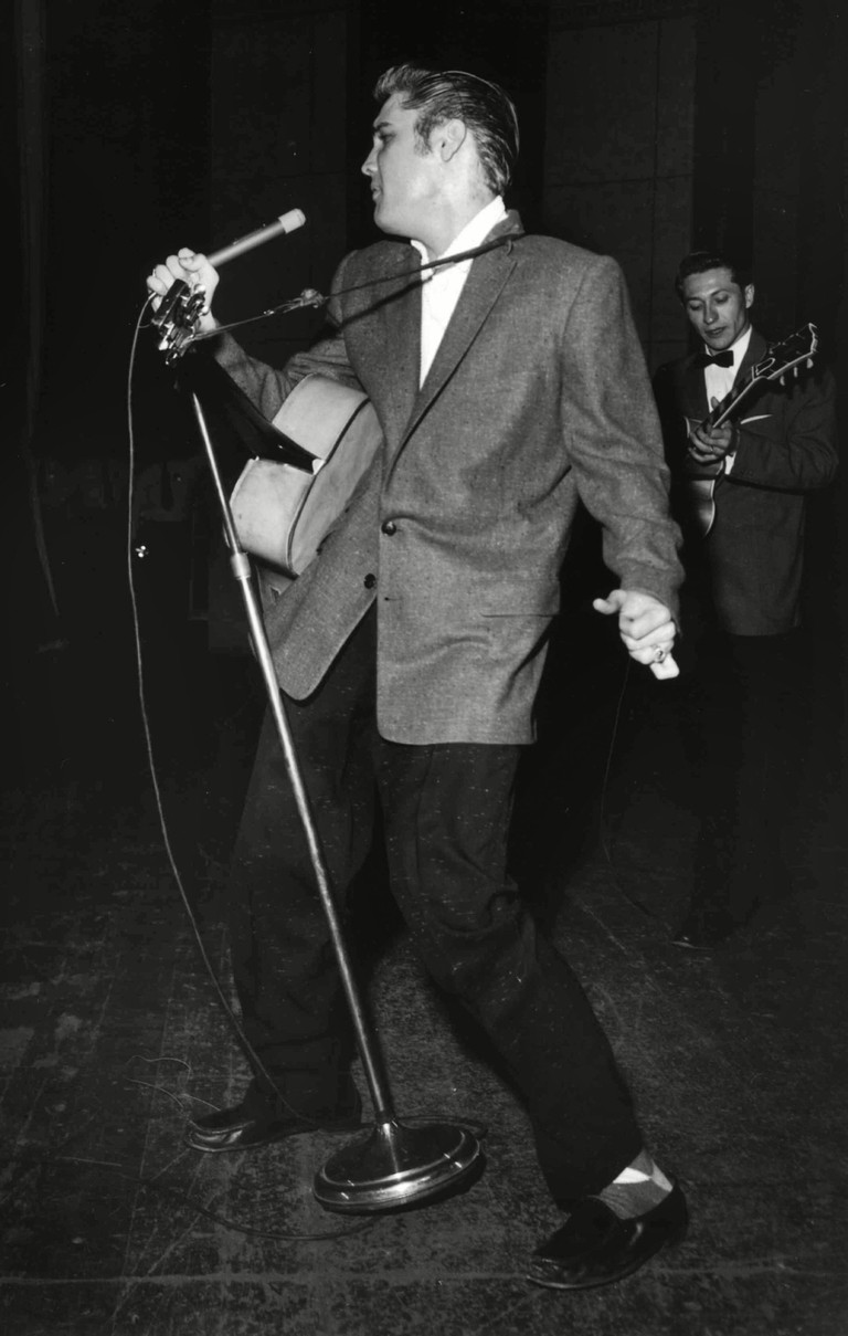 Elvis Presley in concert (1956), Ellis Auditorium, Memphis, Tennessee, USA.