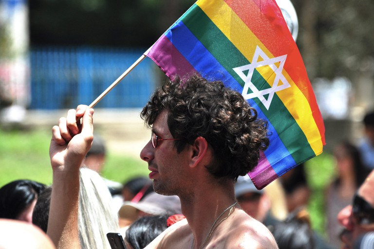 Tel Aviv, Israel. 03rd June, 2016. Despite the call to boycott of some local LGBT organizations who protest the poor condition of the community, thousands joined the 18th official Gay Pride Parade. © Laura Chiesa/Pacific Press/Alamy Live News