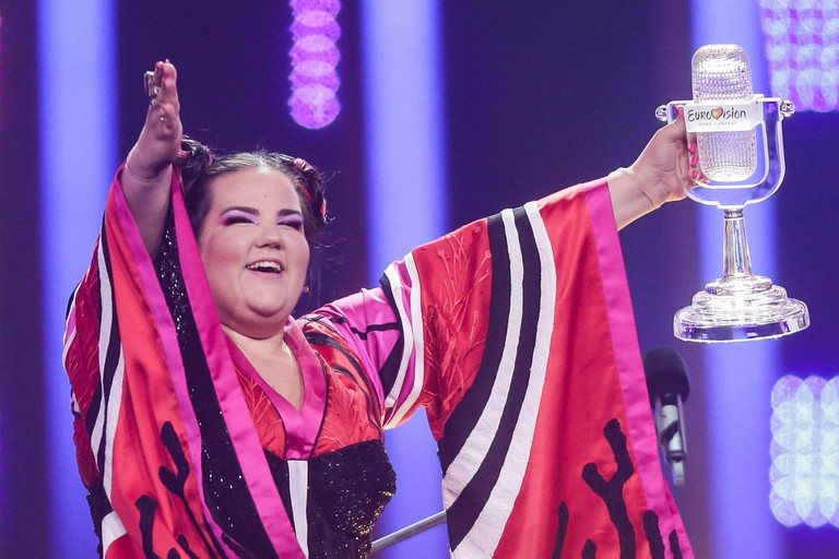 Lisbon, Portugal. 12th May, 2018. 12 May 2018, Portugal, Lisbon: Singer Netta from Israel wins the 63rd Eurovision Song Contest with her song 'Toy'. Credit: Jorg Carstensen/dpa/Alamy Live News
