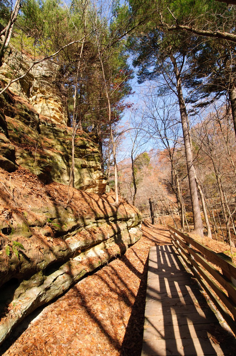 Trail into Tonti Canyon in Starved Rock State Park in Illinois