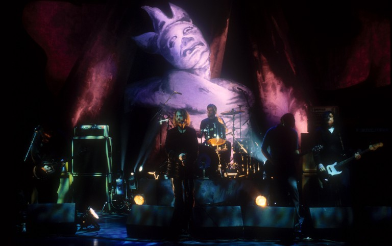THE SCREAMING TREES PERFORMING ON THE 'LATER WITH JOOLS' SHOW, BBC TV, LONDON, BRITAIN - NOV 1996