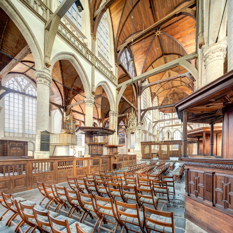 De Oude Kerk was built in the 13th century