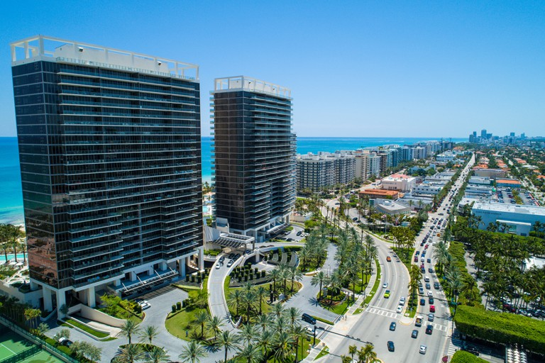 Aerial view of Miami Bal Harbour and Shop