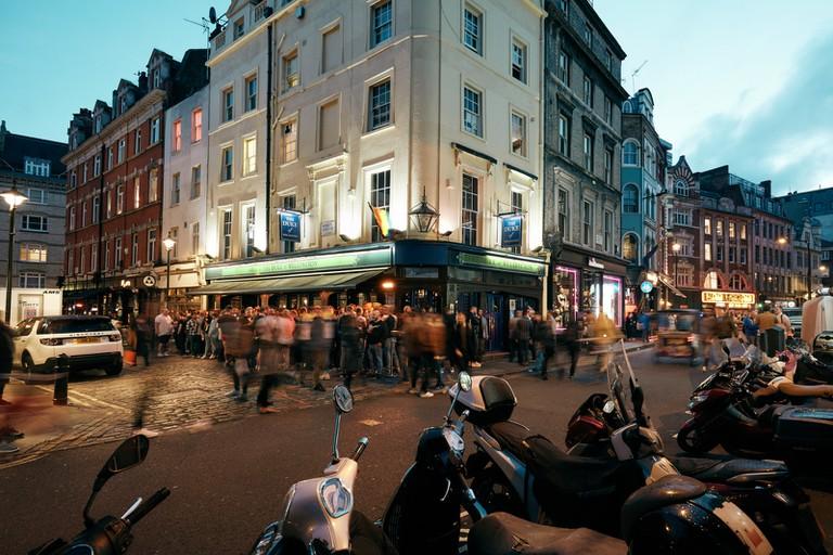 WAYNEALLINGAM_LOCATIONGUIDE_LONDON_ENGLAND