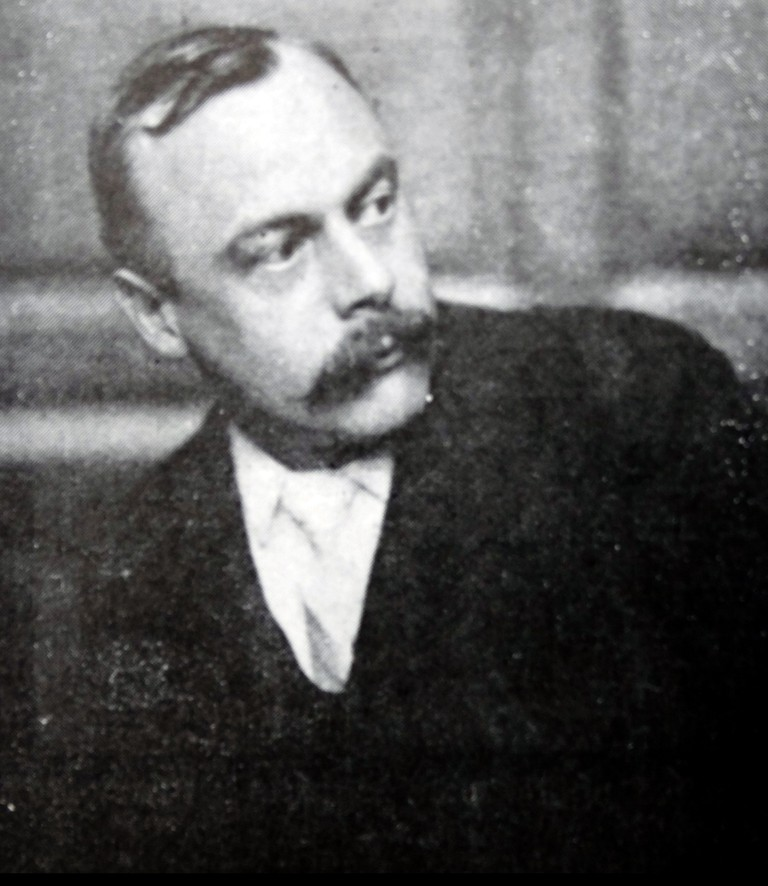 Kenneth Grahame, (1859-1932) the London banker who wrote 'The Wind in the Willows'.