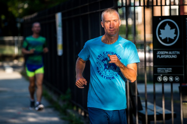 The 3,100-Mile Ultramarathon That Loops a Single New York City Block
