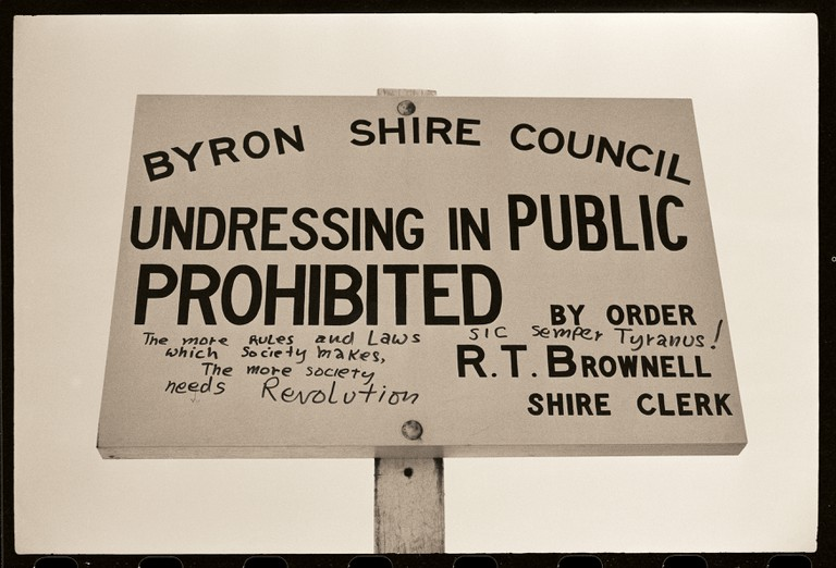 Byron_sign