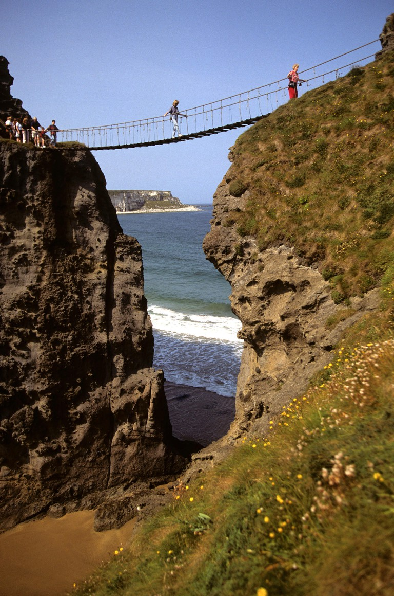 Carrick-a-rede rope bridge, Ballintoy, Northern Ireland.