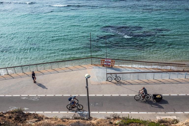 Promenade seen from walkway in The Independence Park (Gan ha-Atsmaut) in Tel Aviv city, Israel
