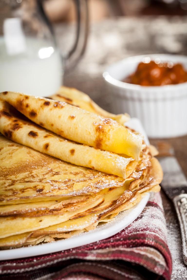 Dutch Pancakes with jam - Pannenkoeken
