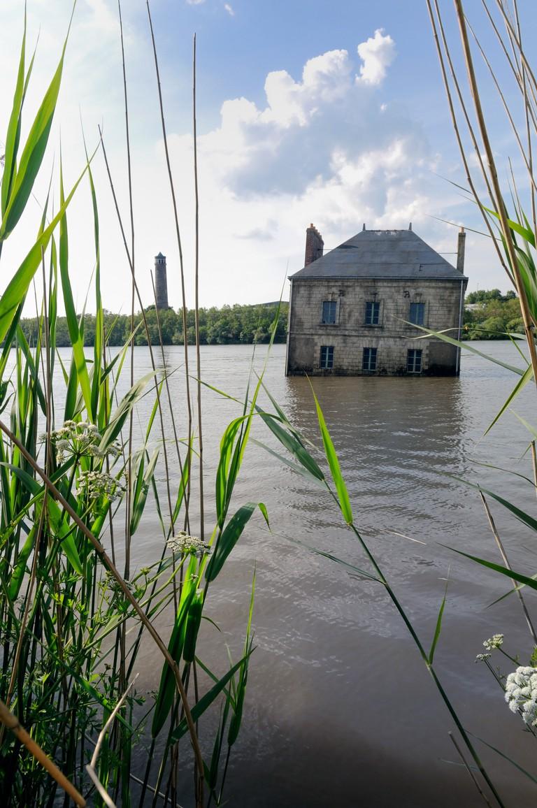 La Maison dans la Loire, Coueron