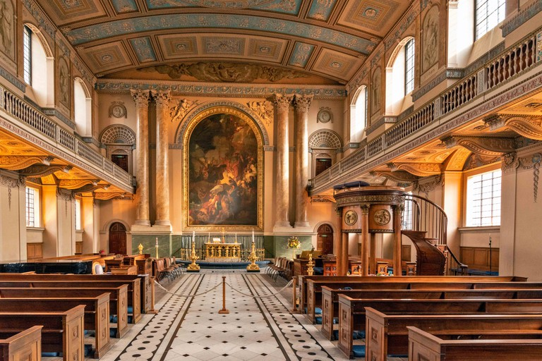 LONDON OLD ROYAL NAVAL COLLEGE GREENWICH INTERIOR CHAPEL OF ST PETER AND ST PAUL