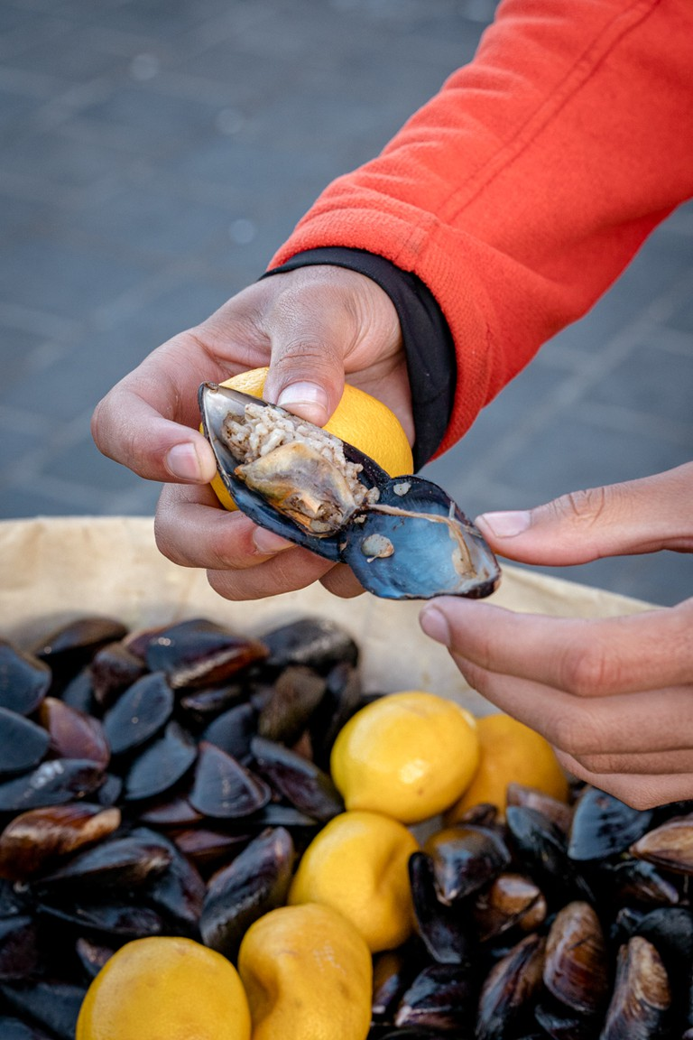 Ahmet's famous mussels with Lemon