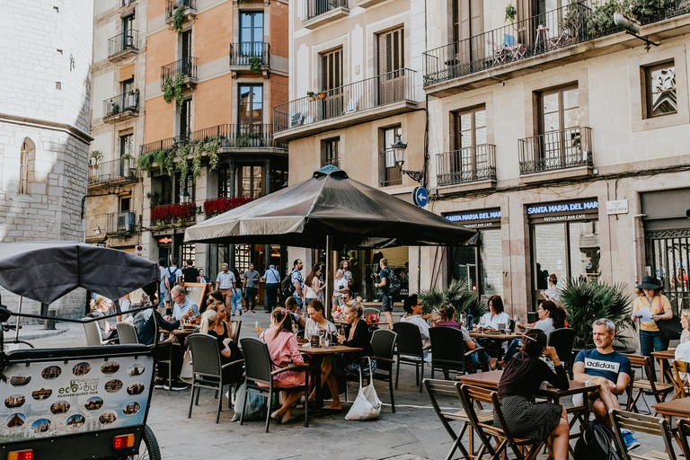 Enjoy tapas and beer on your trip to Barcelona
