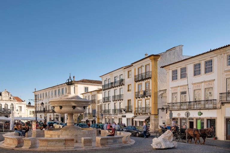 Fountain at the Giraldo Square,   Alentejo, Evora, Portugal