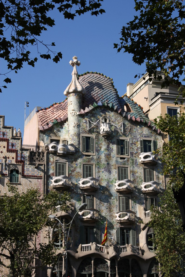 Beautiful modernisme architecture by Antoni Gaudi - Casa Battlo in Illa de la Discordia part of Eixample district.
