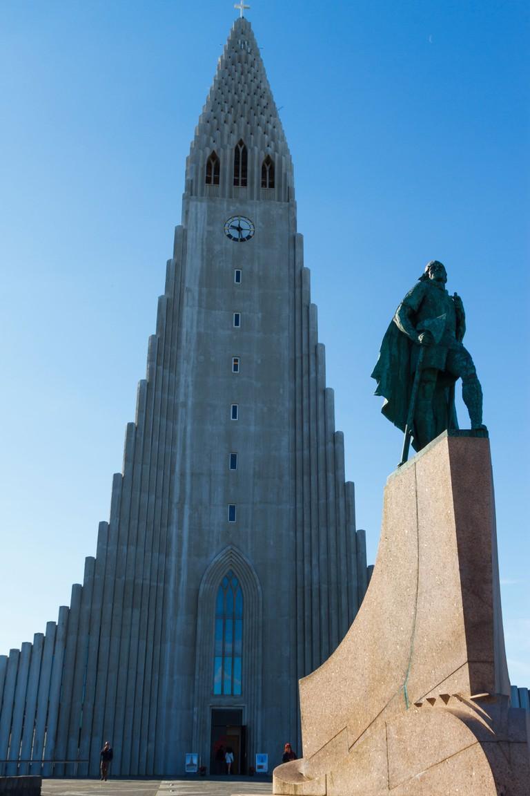 Hallgrimskirkja and Leif Erikson statue. Reykjavik, Iceland, Europe.