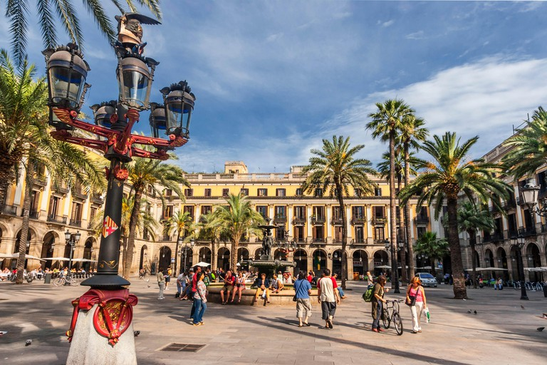 Placa Reial, Piaza Real, Plaza Reial, Royal Plaza, Laterne by Gaudi, Barri Gotic, Barcelona, Catalonia, Spain