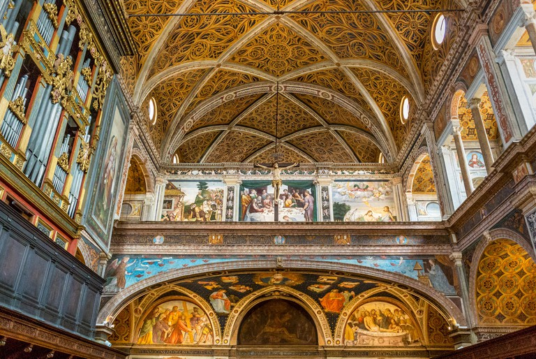 Friezes painted on the walls and ceiling of Chiesa di San Maurizio al Monastero Maggiore