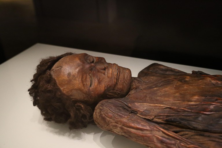 Mummified remains of a man. Barranco de Herques, Tenerife, Canary Islands, Spain. National Archaeological Museum, Madrid. Spain.