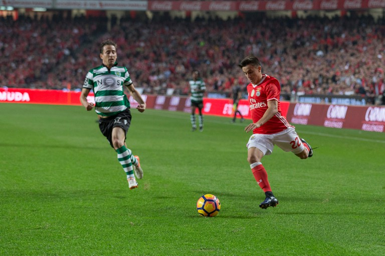 December 11, 2016. Lisbon, Portugal. Benfica's forward from Argentina Franco Cervi (22) in action during the game SL Benfica vs Sporting CP Credit:  Alexandre de Sousa/Alamy Live News