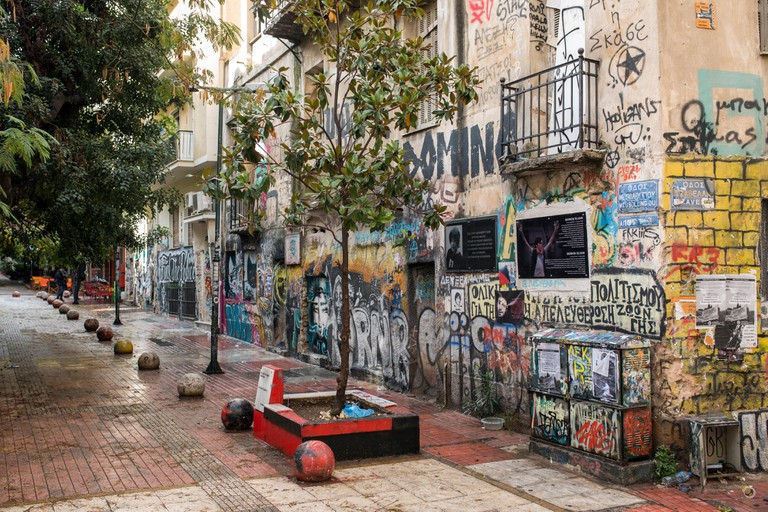 Athens, Greece. 19th Nov, 2017. The house walls of the Exarchia quarter are covered in graffitis in Athens, Greece, 19 November 2017. On this square the 15-year-old Alexandros Grigoropoulos was killed by a police officer in 2008. The district is considere