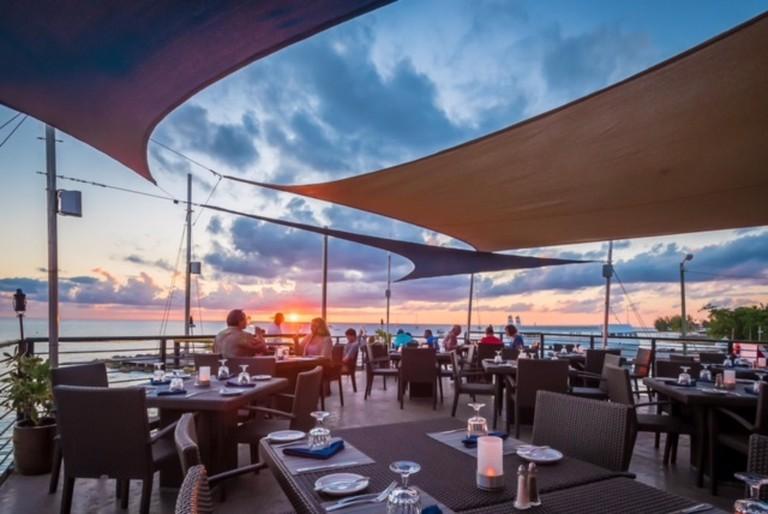 Lobster Pot-Restaurant in GCM Best of Cay 11 07118
