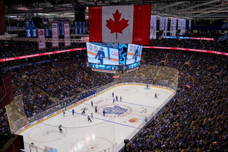 Hockey match between Toronto Maple Leafs and Dallas Stars.