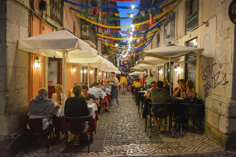 Old Town lane, catering trade, Bairro Alto, Lisbon, Portugal, Altstadtgasse, Gastronomie, Lissabon