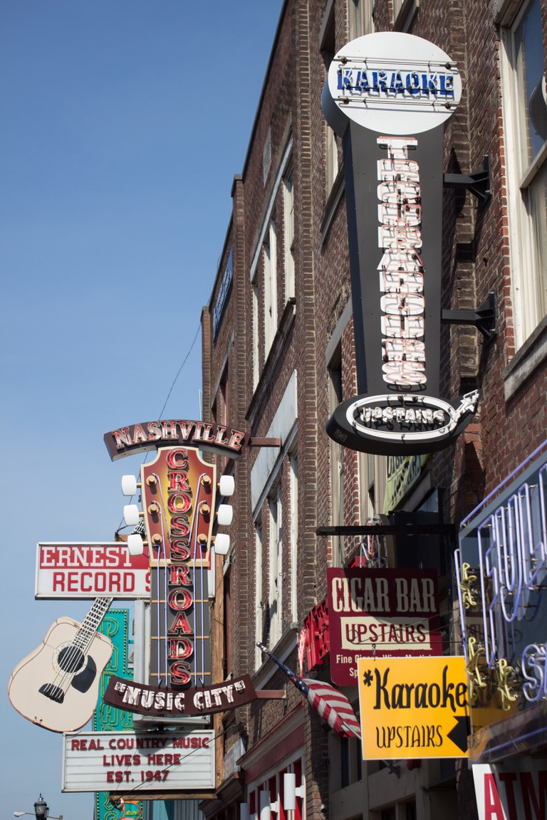 Signs boards in Nashville