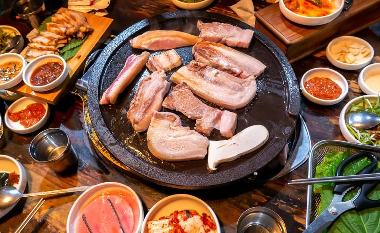 Pan-fried cooked black pork