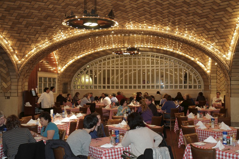 The interior inside Grand Central Oyster Bar.