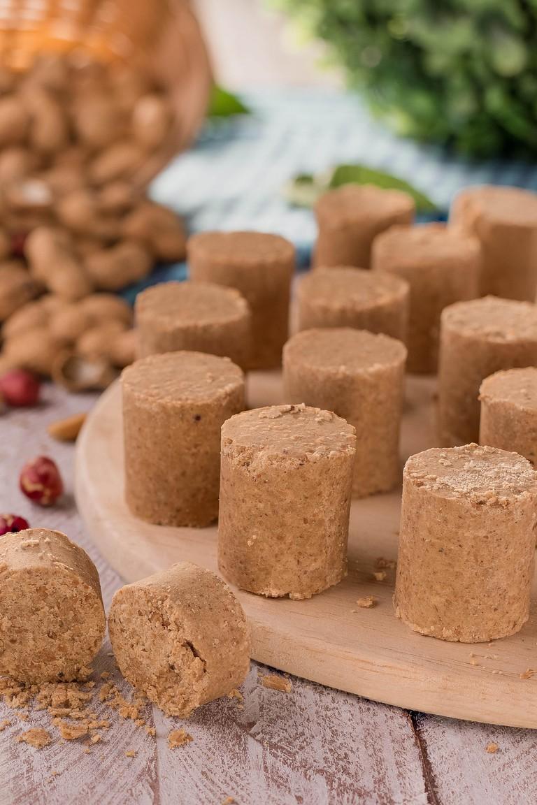 Pacoca (pacoquinha) - Brazilian traditional peanut butter