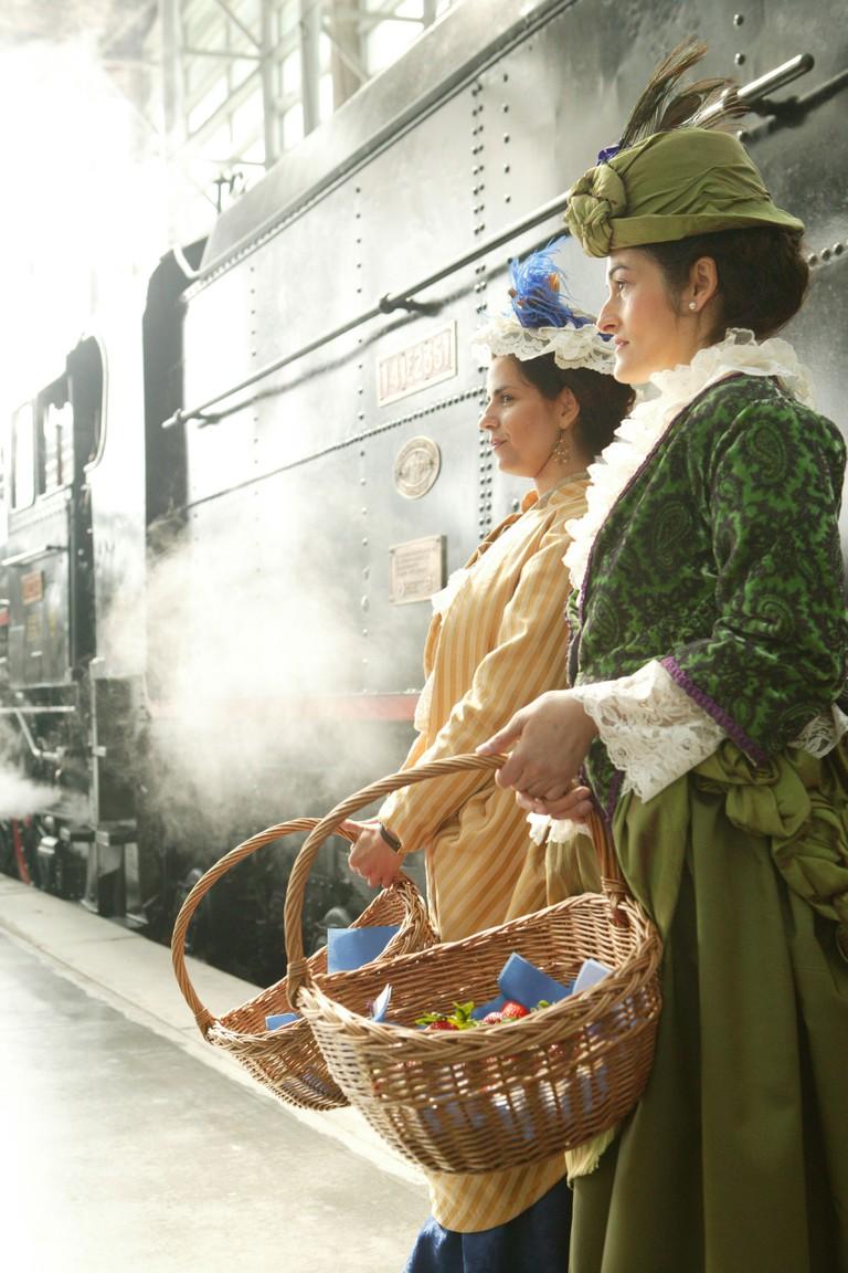 railway, locomotive, rail, train, Spain, Madrid, railroad, strawberry train, Aranjuez, tipycal, Atocha, station, transport, trav