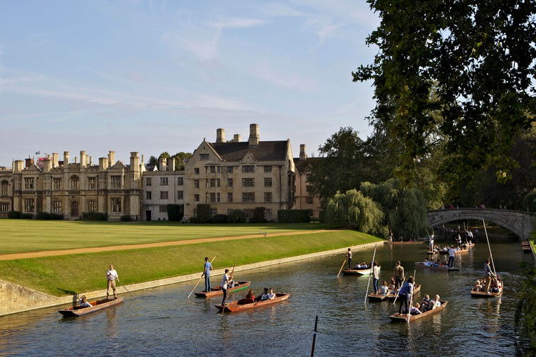 Punting on The Backs, River Cam, Clare College, Cambridge, Cambridgeshire, England, United Kingdom, Europe
