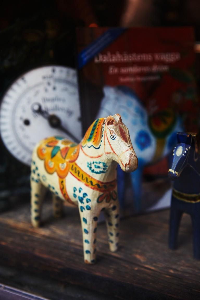 Dalecarlian horse on shop window