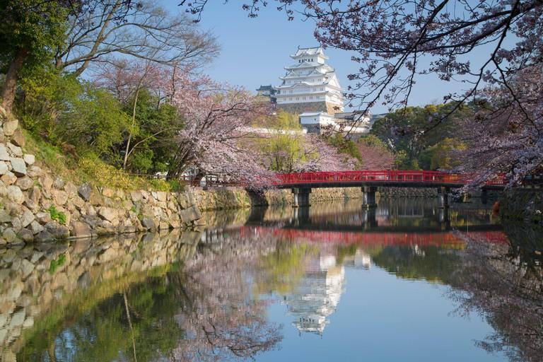 River flows past Himeji Castle