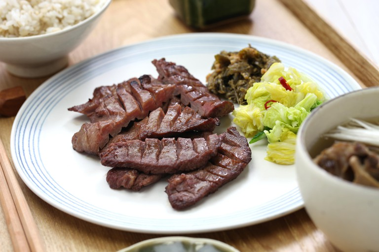 Grilled beef tongue set meal