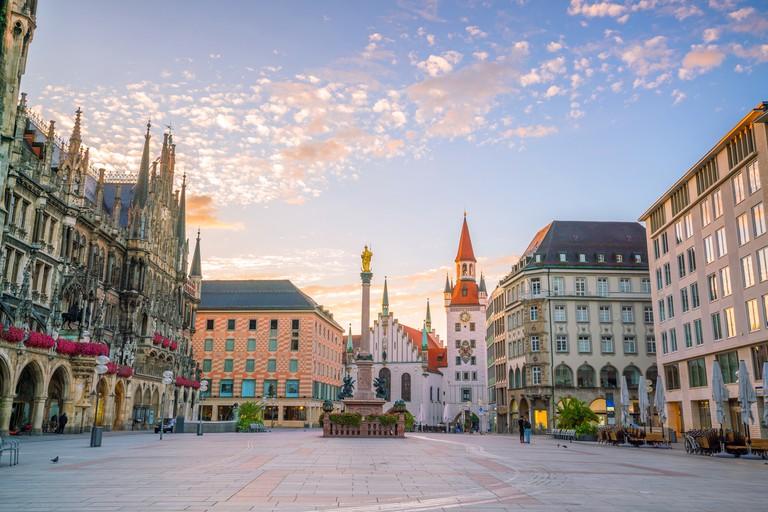 Đi đến Altstadt để khám phá lịch sử thành phố Munich