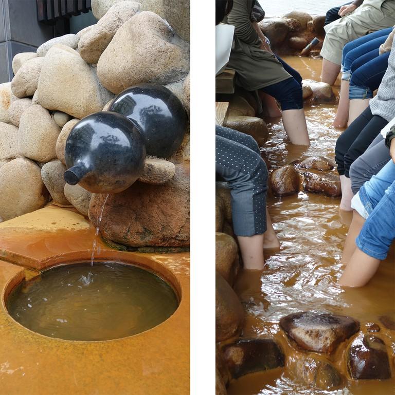 Left: Hotspring / Right: Foot bath