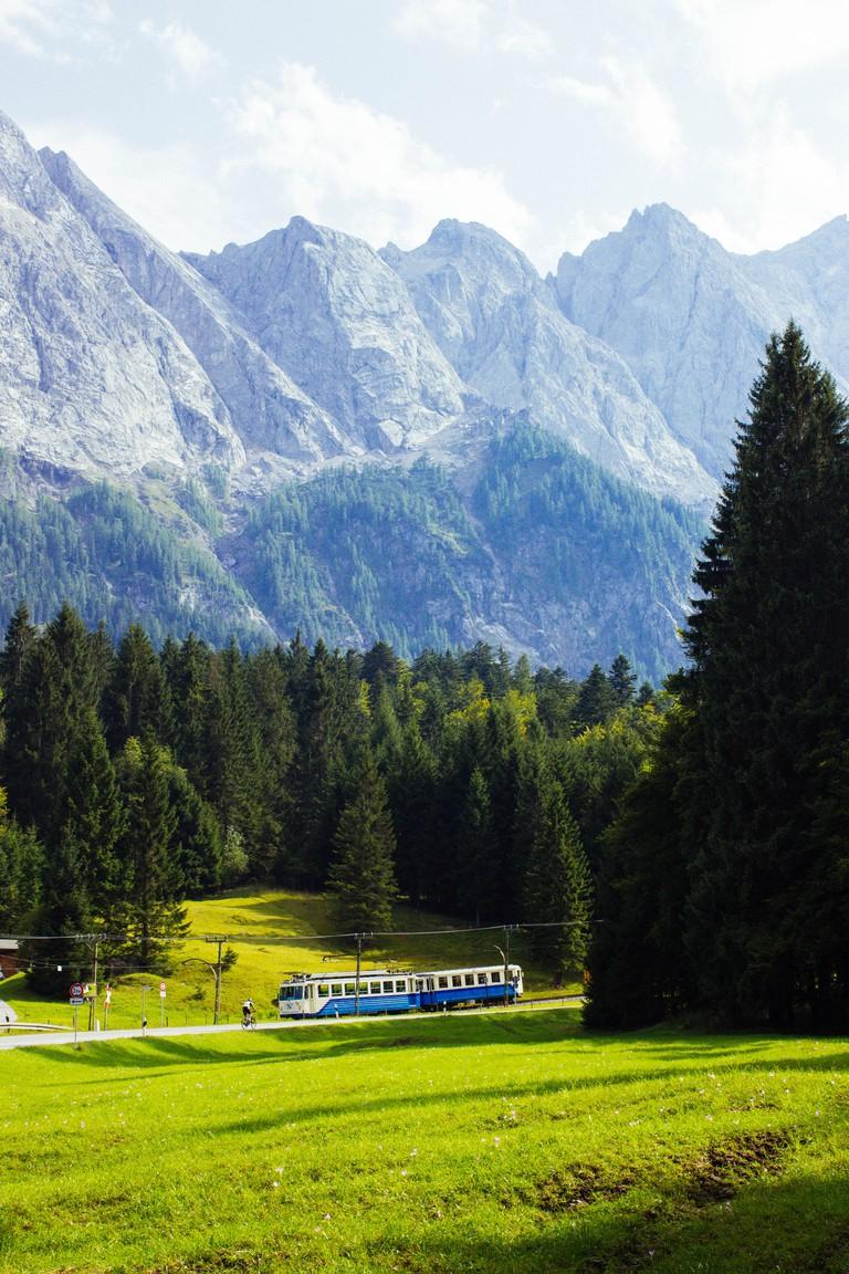 Zugspitze, Train