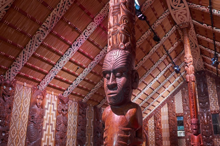 Maori meeting house with traditional carved interior, the national marae at the Waitangi Treaty Grounds
