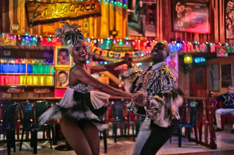 Salsa dancers