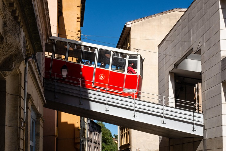 "Funicular of Lyon. The ""String"" is the Lyonnais nickname given to funiculars in Lyon."