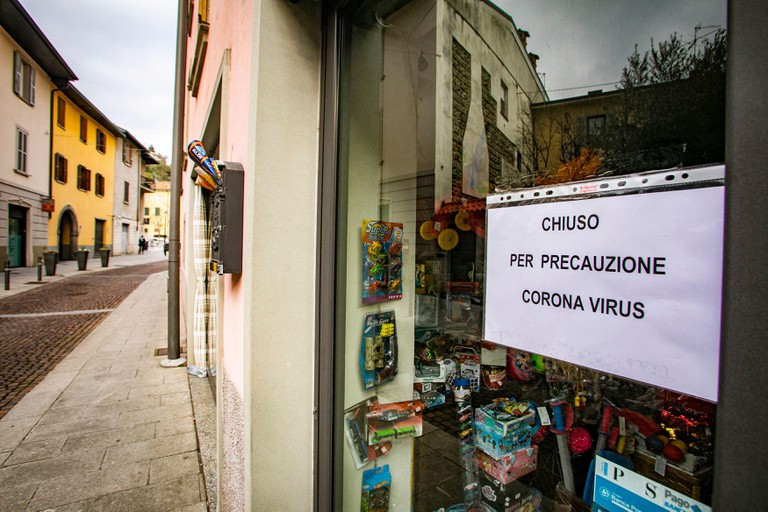 Shops closed due to Coronavirus in Nembro