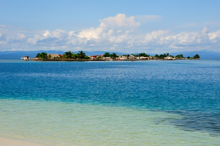 Panama Island San Blas Archipelago Kuna Yala Central America houses coast sea ocean water seascape