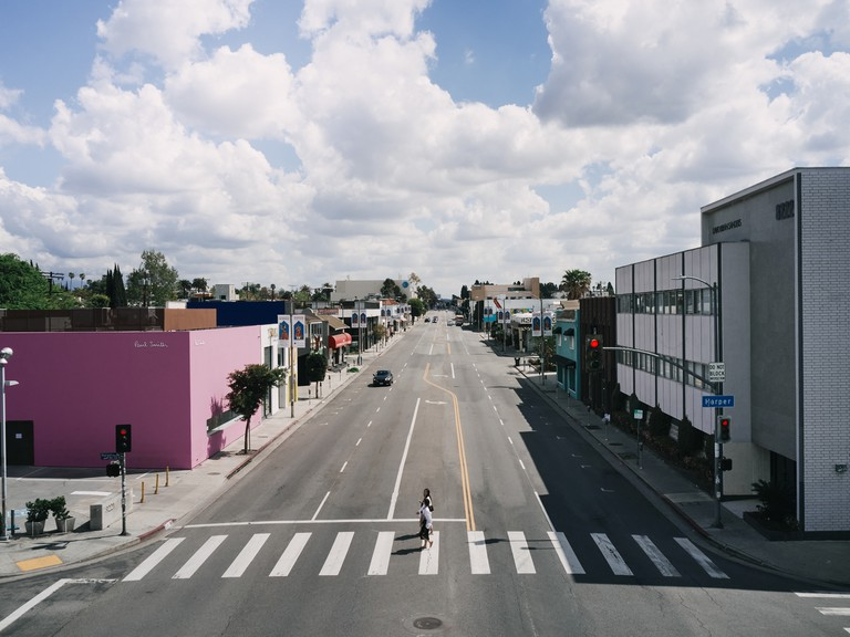 Melrose Avenue has very few cars