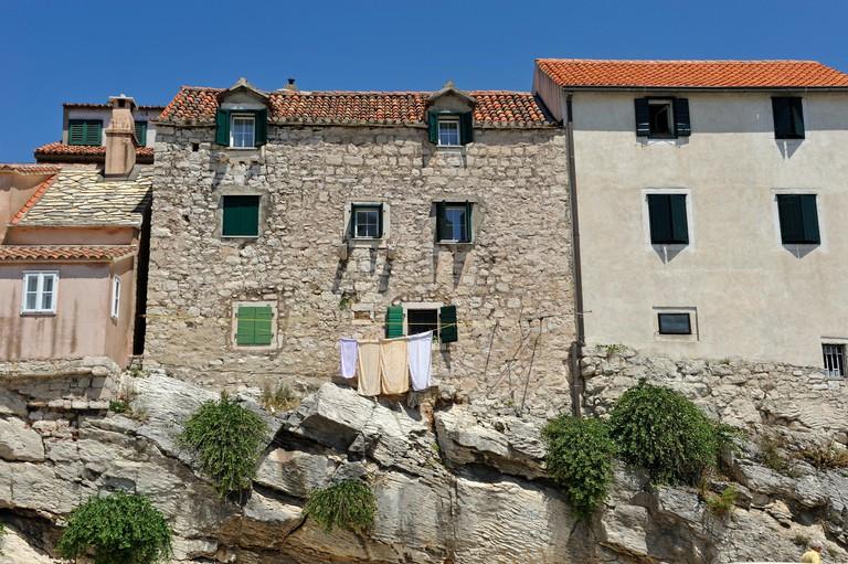 Building facades in Veli Varos